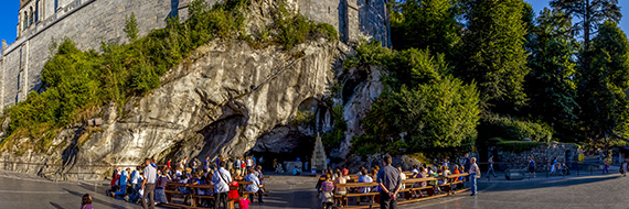 Visit the Marian City of Lourdes