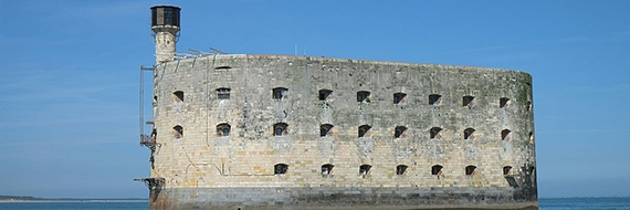 Touch the inconquerable Fort Boyard