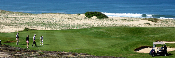Play golf between the pine forest and the ocean